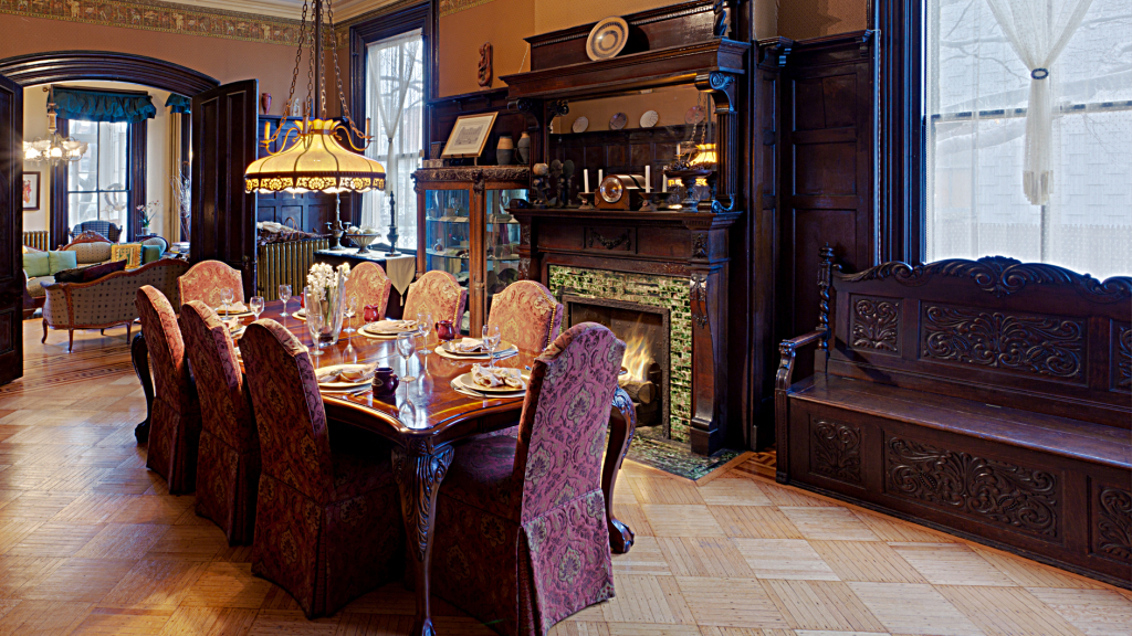 Akwaaba Mansion: The formal dining room