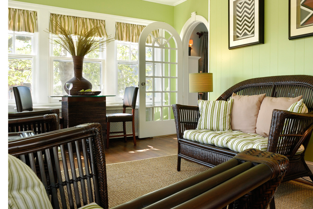 Akwaaba Buttonwood Manor: The inviting sunporch