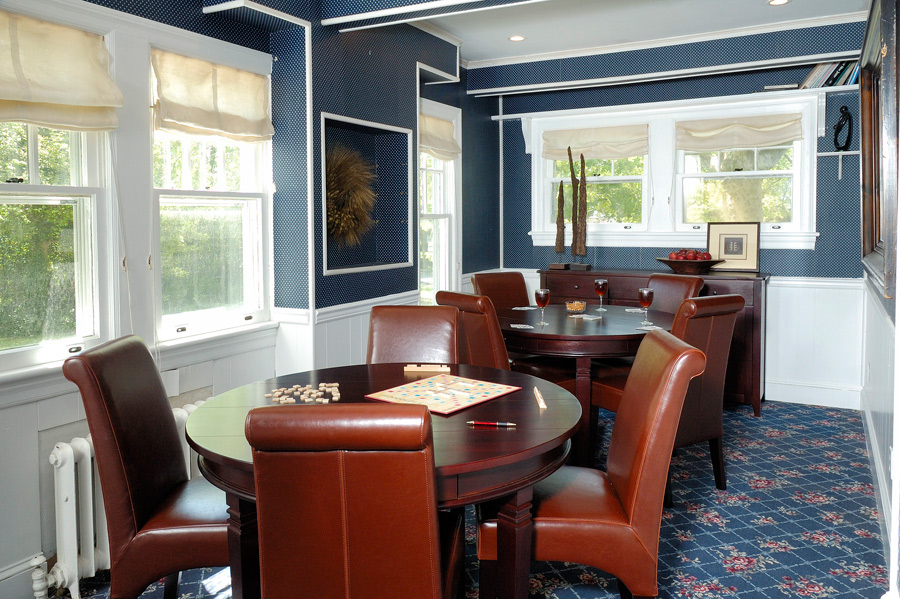 Akwaaba Buttonwood Manor: The TV and Game Room