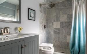 Bathroom at Akwaaba Mansion